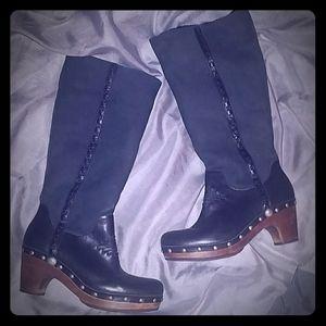 "🆕UGG ""Jemma"" Boots"